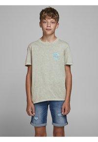 Jack & Jones Junior - Print T-shirt - drizzle - 0