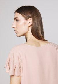 Bruuns Bazaar - LILLI ABELINE - Blouse - cream rose - 5