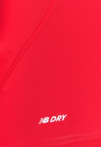 New Balance - Basic T-shirt - red - 5
