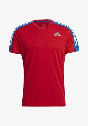 OWN THE RUN 3-STRIPES RUNNING T-SHIRT - T-shirt z nadrukiem - red