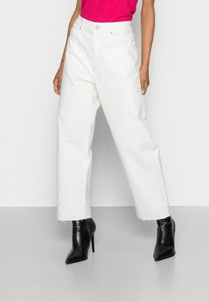COO DAD FIT - Jeans straight leg - off white