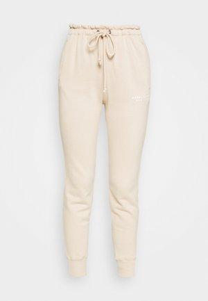 TREND LOGO WAISTED  - Pantalon de survêtement - beige
