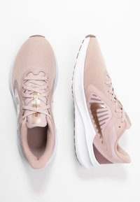 Nike Performance - Neutral running shoes - stone mauve/metallic red bronze/smokey mauve/barely rose - 1