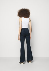J Brand - DARTED HIGH RISE TROUSER - Flared Jeans - civility - 2