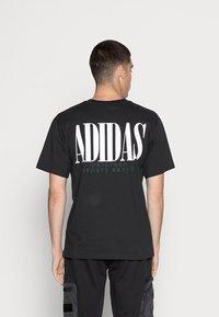 adidas Originals - TREFOIL SCRIPT - Print T-shirt - black - 2