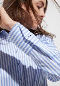 Eterna - MODERN CLASSIC - Overhemdblouse - hellblau/weiß - 2