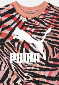 Puma - MINICATS CLASSICS SET UNISEX - Print T-shirt - apricot blush/neon safari - 3