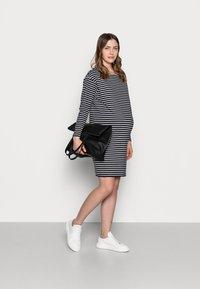 Dorothy Perkins Maternity - DRESS - Jersey dress - black - 1