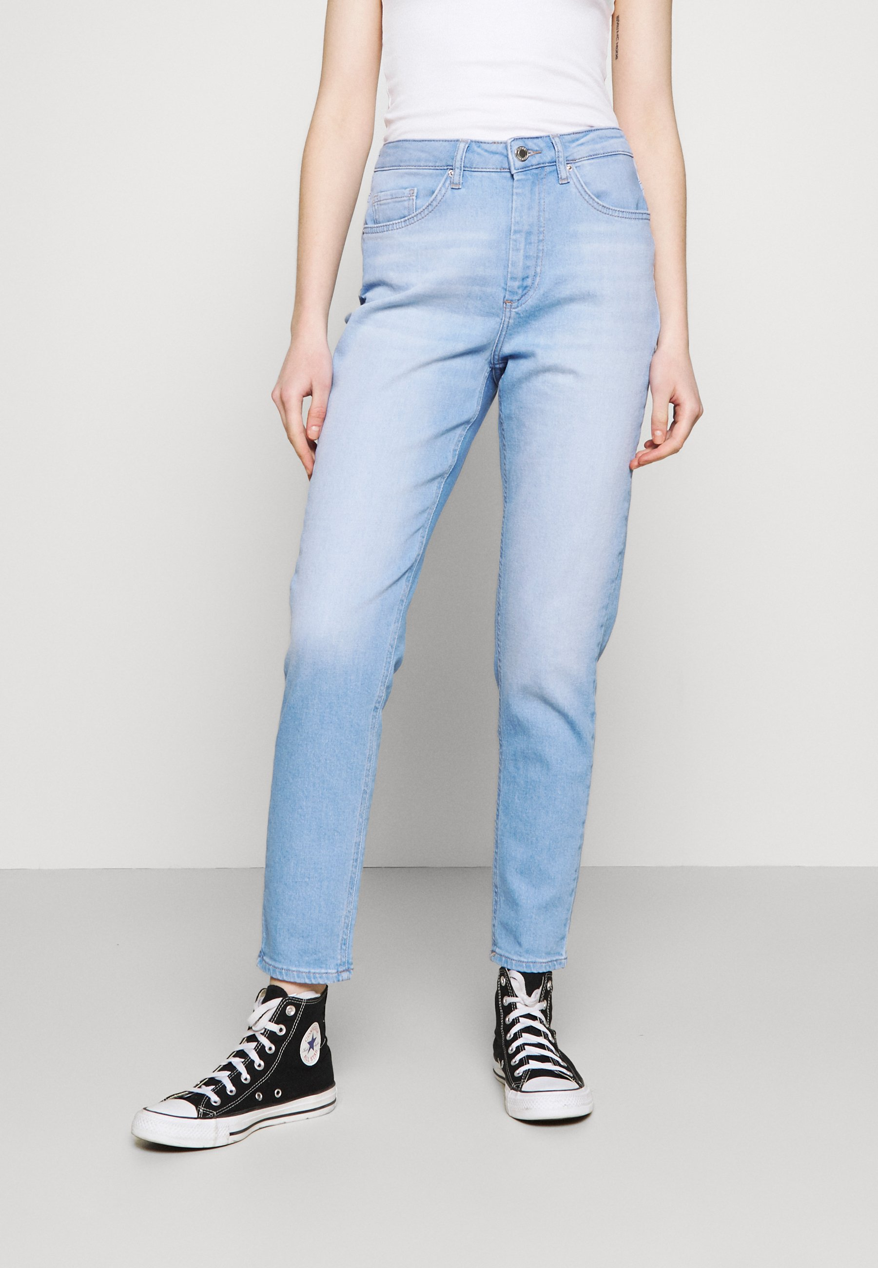 Women ONLVENEDA LIFE MOM - Jeans Tapered Fit