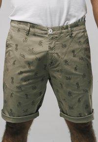Brava Fabrics - Shorts - brown - 0