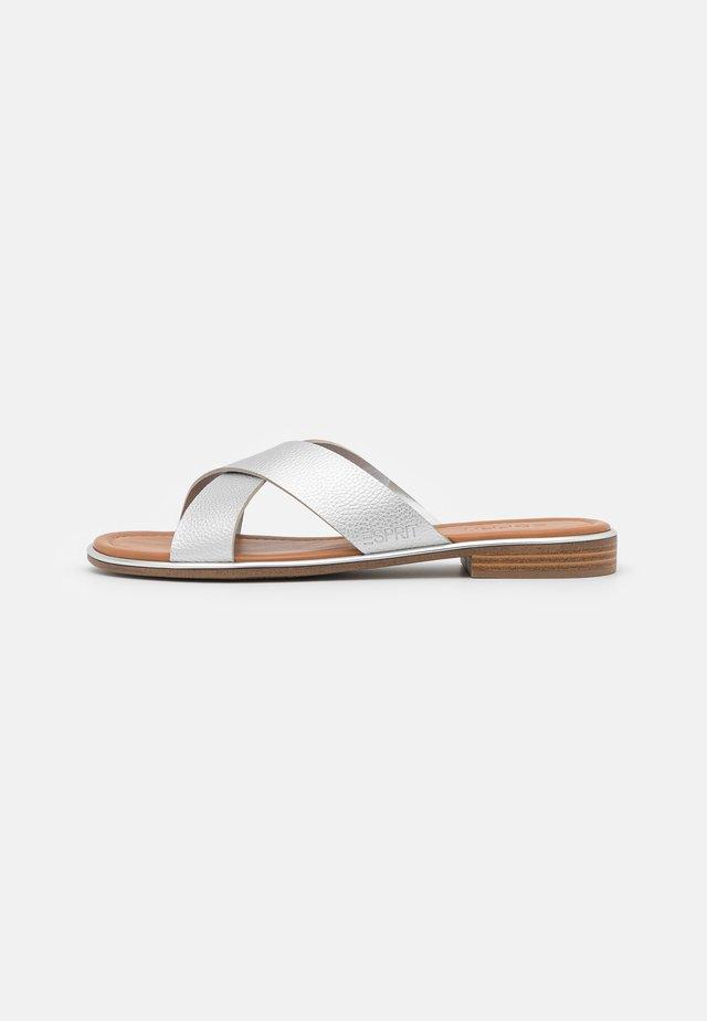 MOA  - Pantofle - silver