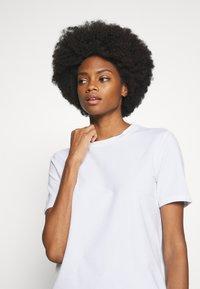 Rich & Royal - ICONIC - T-shirts - white - 4