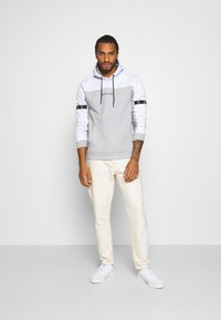 Brave Soul - FULHAM - Sweat à capuche - optic white /grey marl / jet black