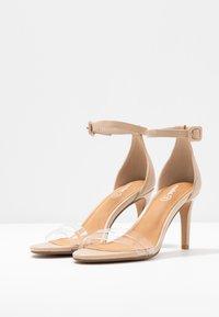 Rubi Shoes by Cotton On - SHARI DOUBLE STRAP STILLETO - Sandály na vysokém podpatku - nude/clear - 4