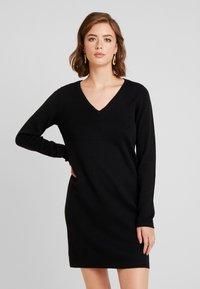Vero Moda - VMDIANE V-NECK DRESS - Neulemekko - black - 0