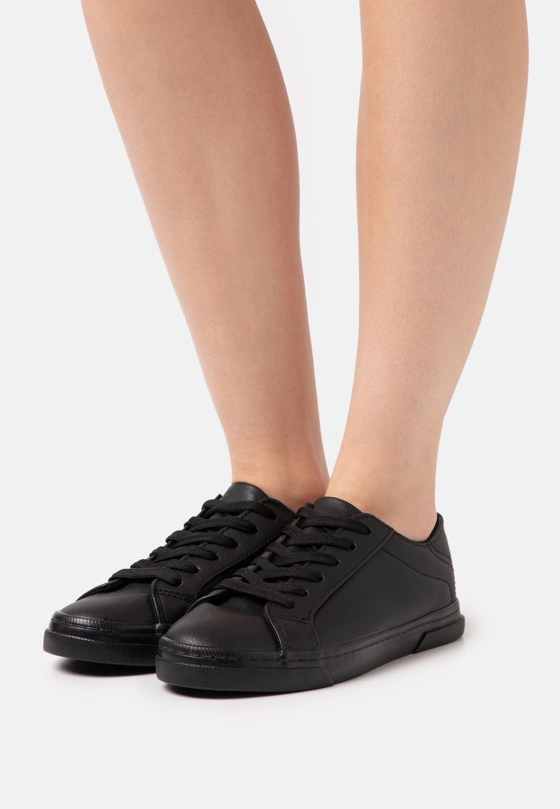 New Look - MOUGLI - Trainers - black