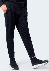 Armani Exchange - Pantaloni sportivi - black - 4