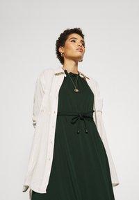 Anna Field - BASIC JERSEYKLEID - Žerzejové šaty - scarab - 4