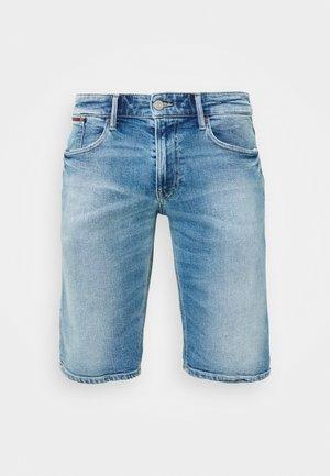 RONNIE  - Szorty jeansowe - barton light blue