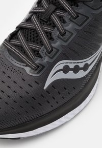 Saucony - GUIDE 13 - Zapatillas de running estables - black/white - 5