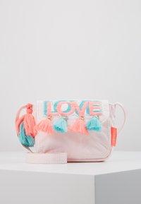 Sunuva - GIRLS PINK LOVE HIPPY BAG - Taška spříčným popruhem - pink - 0
