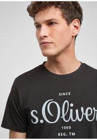 s.Oliver - Print T-shirt - black - 4