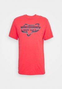 Fox Racing - RAZORS EDGE TEE  - Print T-shirt - atomic punch - 0