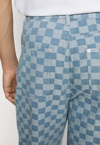 Vintage Supply - CHECKERBOARD WIDE LEG - Relaxed fit jeans - blue - 5