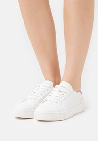 Even&Odd - Trainers - white/pink - 0