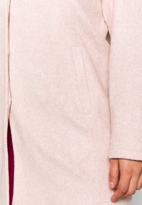 Vero Moda Curve - VMBRUSHED KATRINE  - Krátký kabát - nude - 5