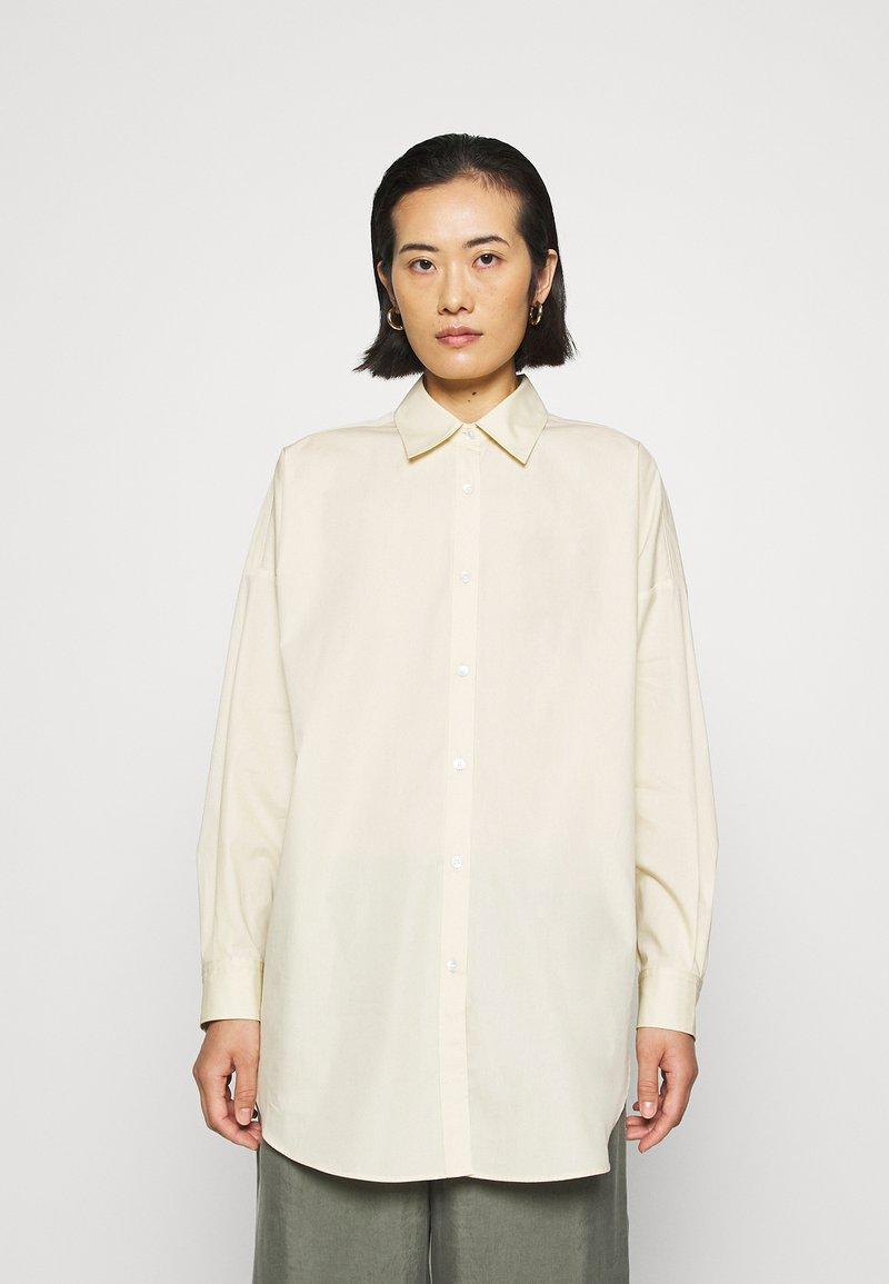 ARKET - SHIRT - Skjorta - beige dusty light
