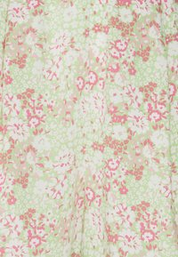 Gina Tricot - EXCLUSIVE AYDEN - Shorts - green - 2