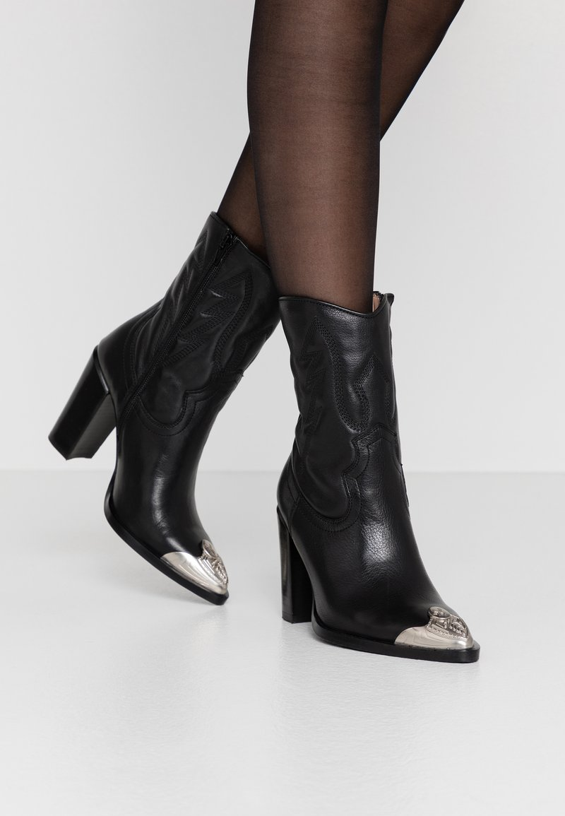 Bronx - NEW AMERICANA - High heeled ankle boots - black