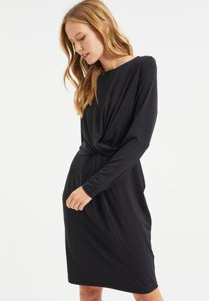MET KNOOPDETAIL - Jersey dress - black