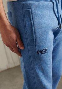 Superdry - ORANGE LABEL CLASSIC  - Tracksuit bottoms - bright blue grit - 2