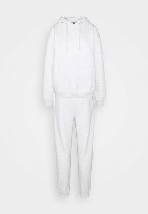HOODIE SET - Hoodie - white