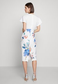 Ted Baker - NERRIS - Pouzdrové šaty - white - 2