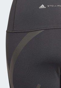 adidas by Stella McCartney - AEROREADY PRIMEBLUE CAPRI 3/4 TIGHT - Medias - black - 4