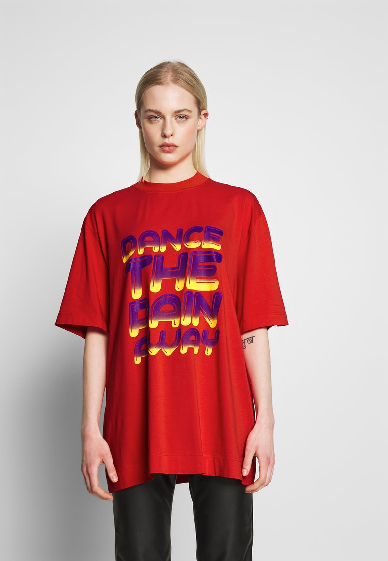House of Holland - DANCE OVERSIZED - Print T-shirt - red
