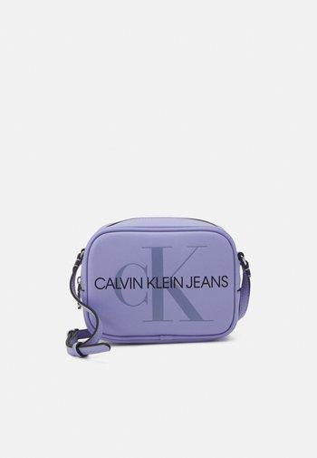 CAMERA BAG - Across body bag - lilac