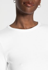 GAP - CREW - Long sleeved top - optic white - 4