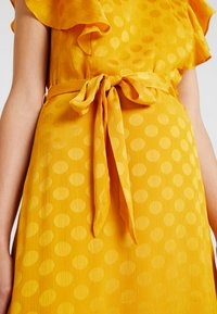 mint&berry - Day dress - yellow - 6