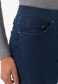 BRAX - STYLE PAMINA - Jeans slim fit - stoned - 3