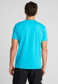 Hummel - GO LOGO - T-shirts print - bluebird - 2
