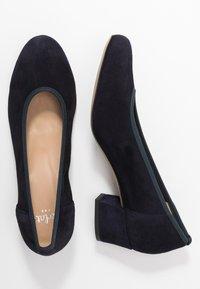 PERLATO - Classic heels - river - 3