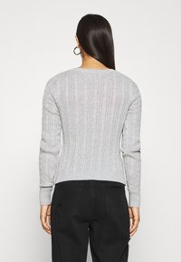 Hollister Co. - CABLE ICON VNECK - Trui - grey - 2
