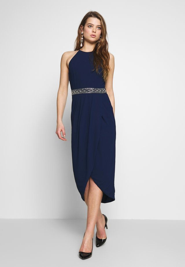 LENA MIDI WRAP DRESS - Festklänning - navy