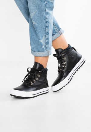 CHUCK TAYLOR ALL STAR EMBER BOOT LEATHER - High-top trainers - black/white