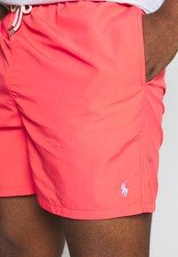 Polo Ralph Lauren - TRAVELER - Shorts - racing red - 4