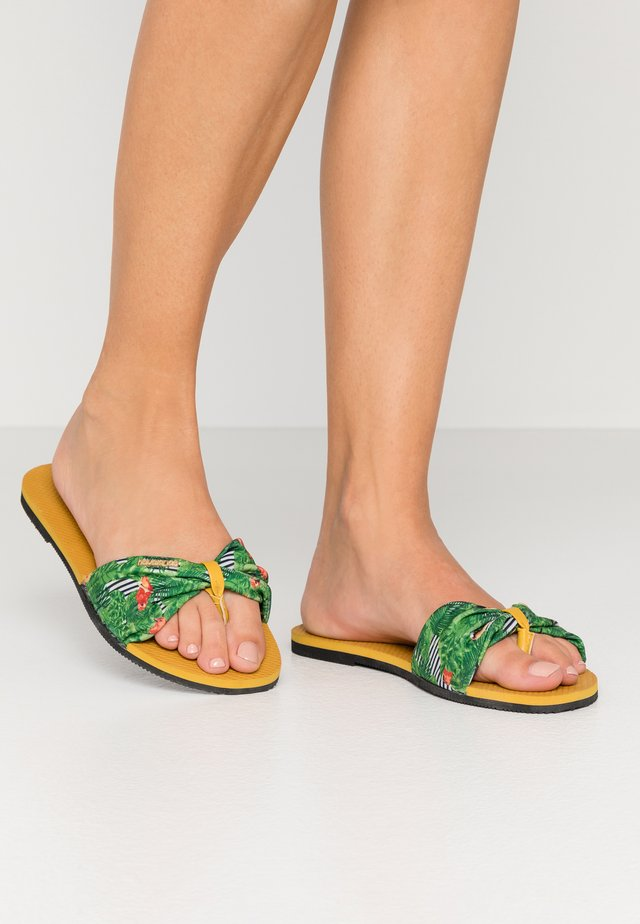 YOU TROPEZ - Sandalias de dedo - burned yellow